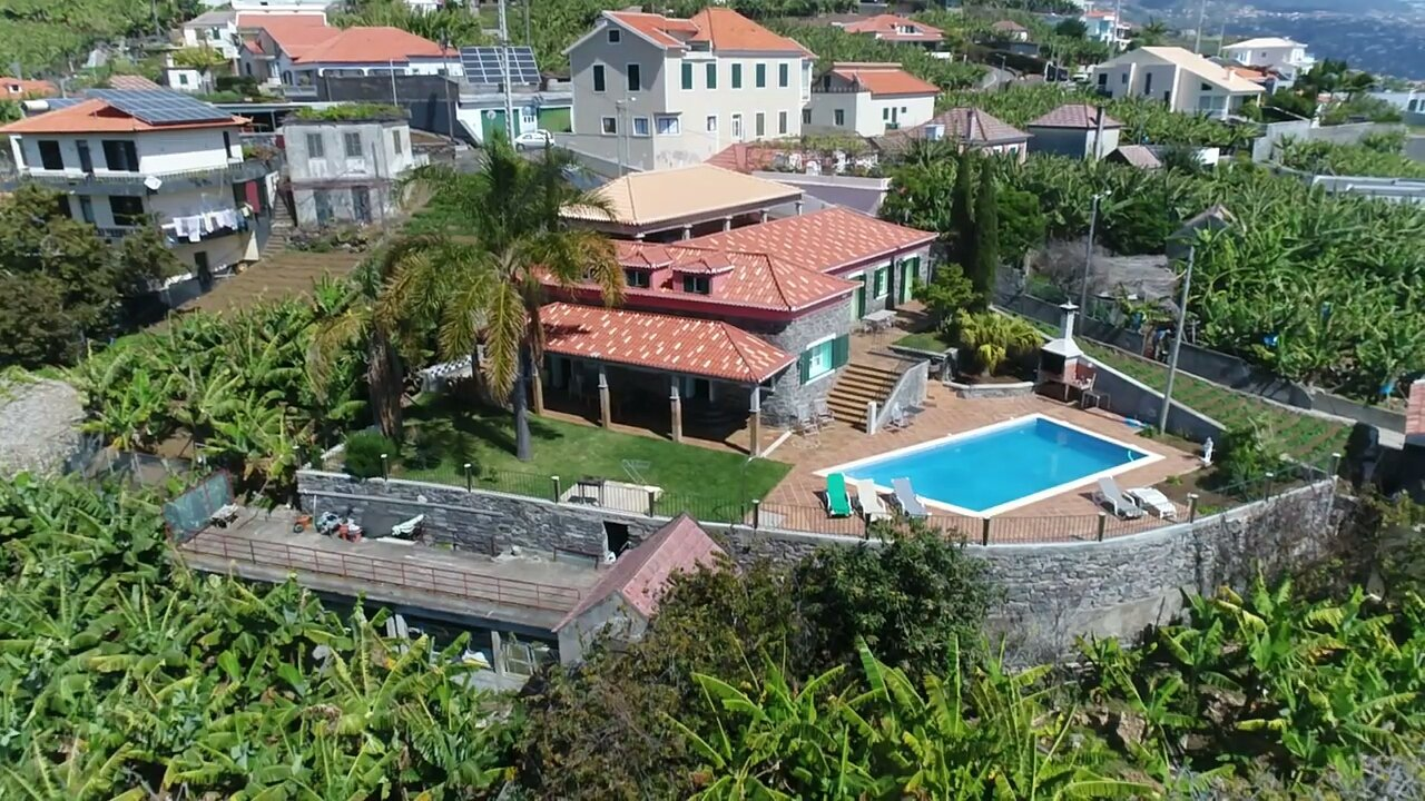 Old Natural Stones Completely Renovated T6 House of 321 m2 with Swimming Pool on 1200 m2 of Flat Land, Mountain and Panoramic Sea View in Ponta do Sol.
