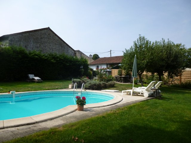 Detached Hamlet House with Very Private Garden with Swimming Pool