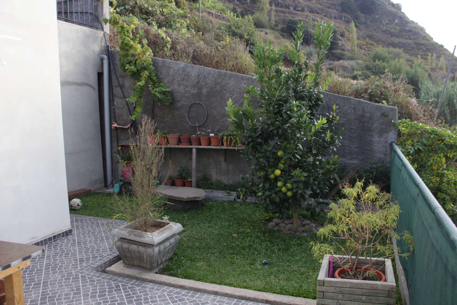 T3 House of 120 m2 in perfect condition with a Nice View in Ribeira Brava.