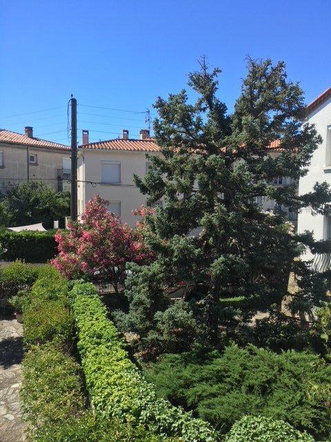 Perpignan- Saint Gauderique- 3 pièces: balcon- cave- box