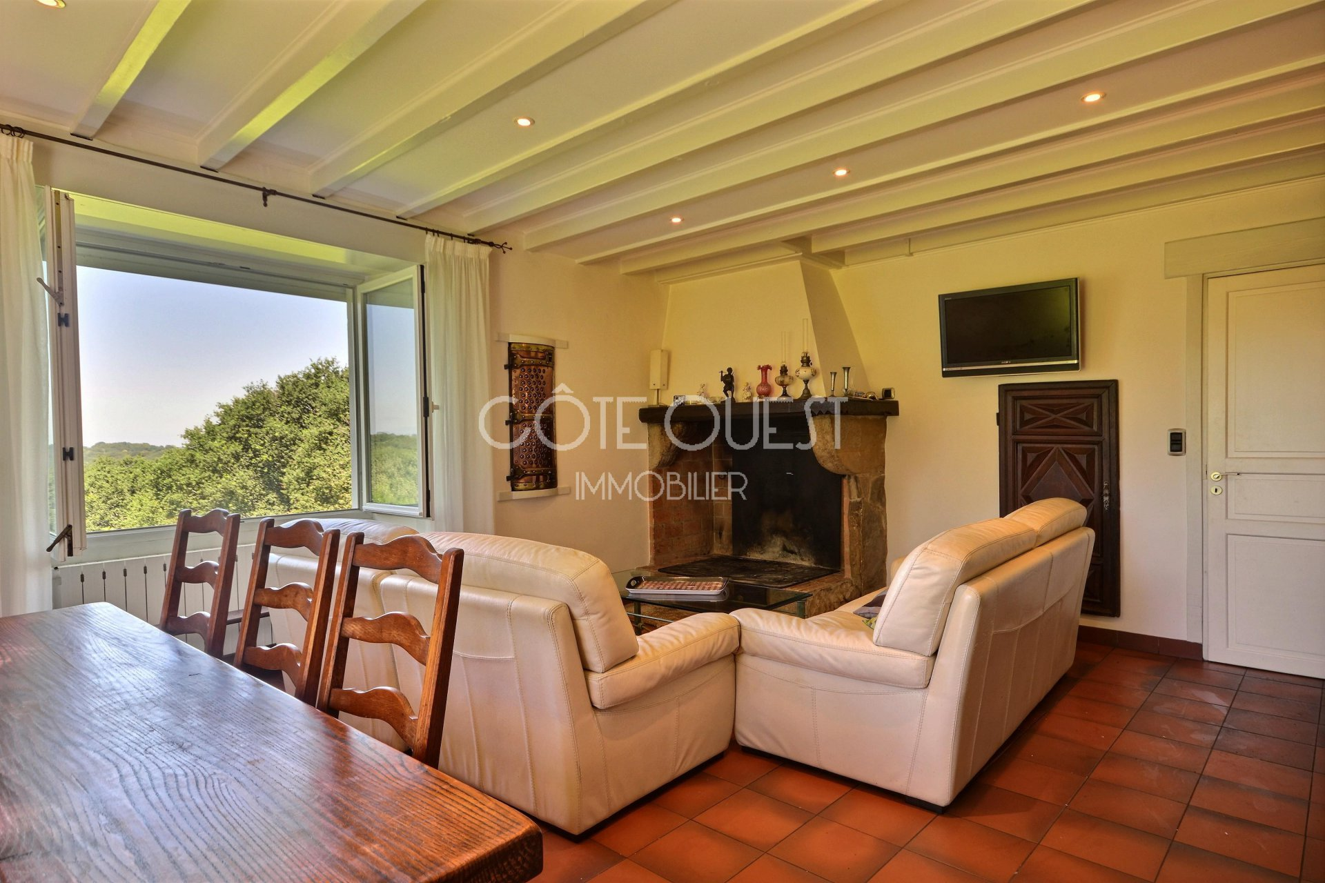 FOR SALE ARCANGUES, A PROPERTY  COMMANDING A PANORAMIC VIEW OF THE MOUNTAINS