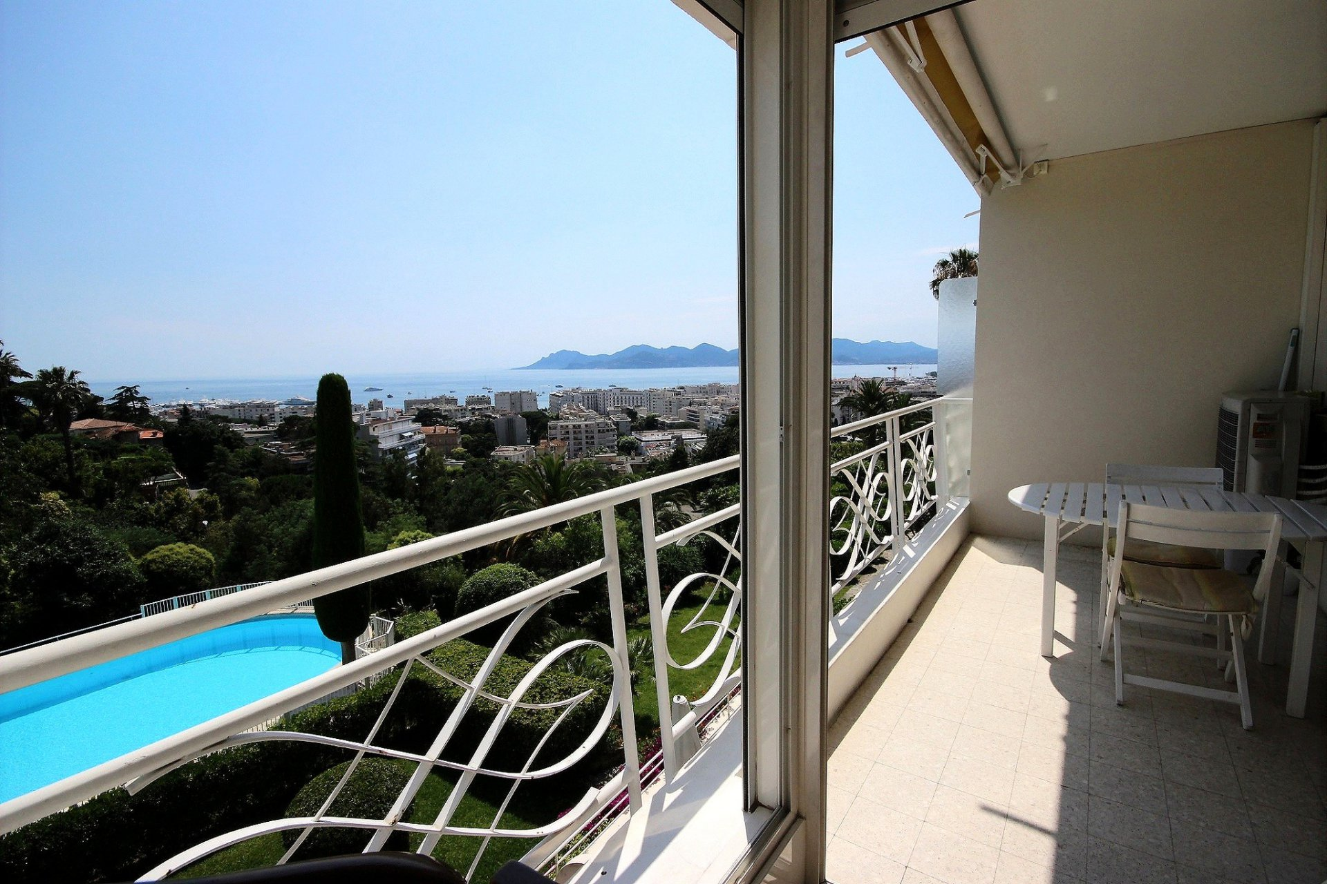 Cannes property for sale with swimming pool and sea view living room Terrace