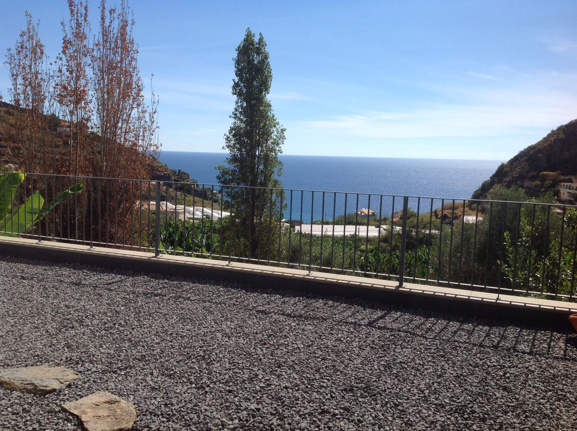 T3 Minimalist House with Independent Flat and Amazing Ocean View – Ribeira Brava