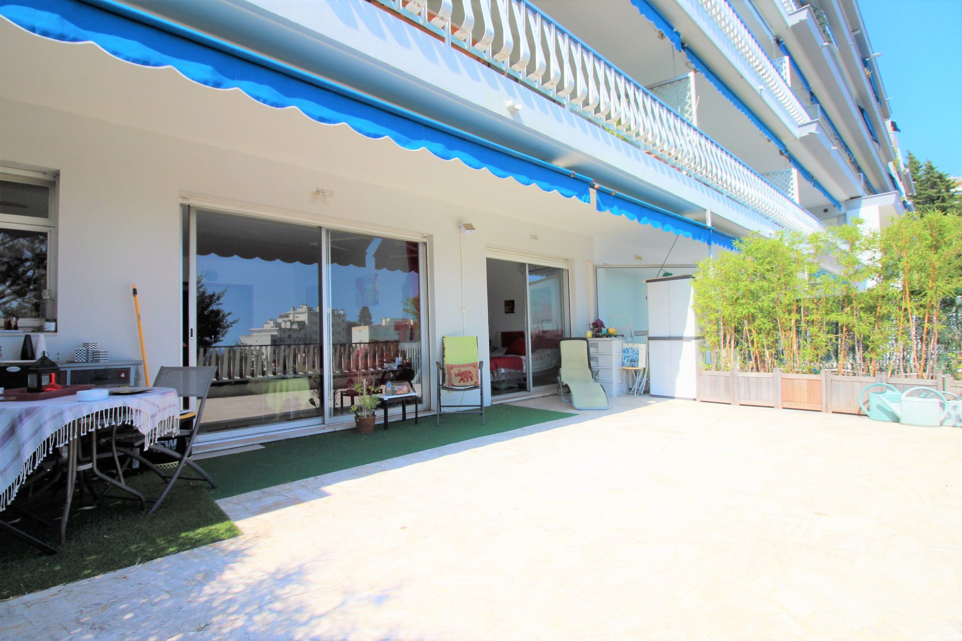 Cannes 1 bedroom apartment - 57 sqm - large 45sqm terrasse sea view