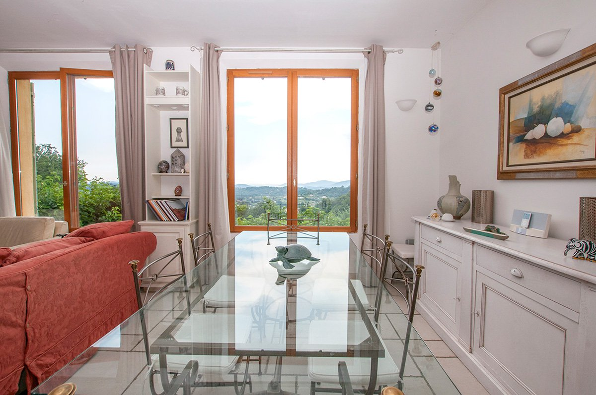 Large family home - with sea views - for sale Chateauneuf de Grasse
