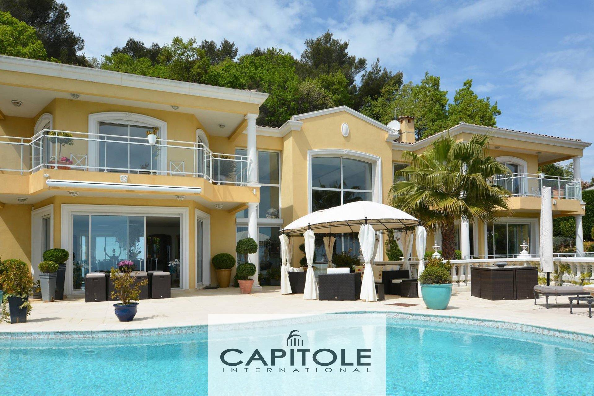 For sale, Golfe-Juan, panoramic sea view 11 room villa 460m², garden, swimming pool