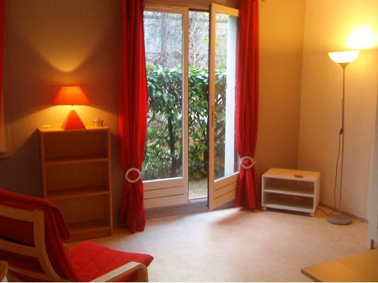 SAINT MICHEL STUDIO MEUBLE 25m² + parking