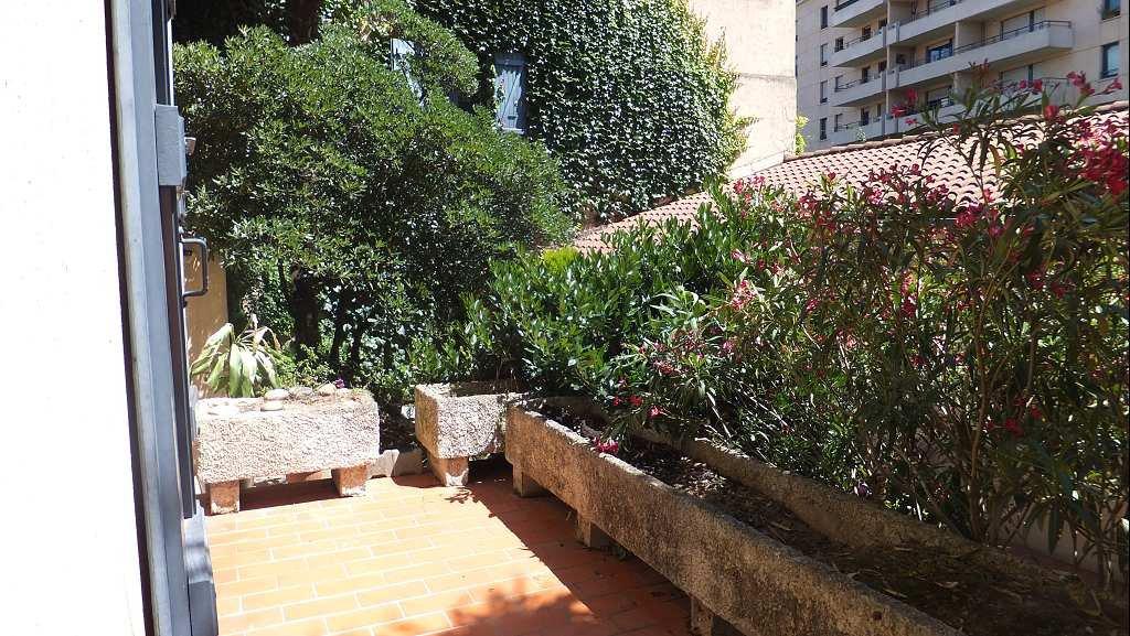 AMIDONNIERS STUDIO  33 m² + terrasse