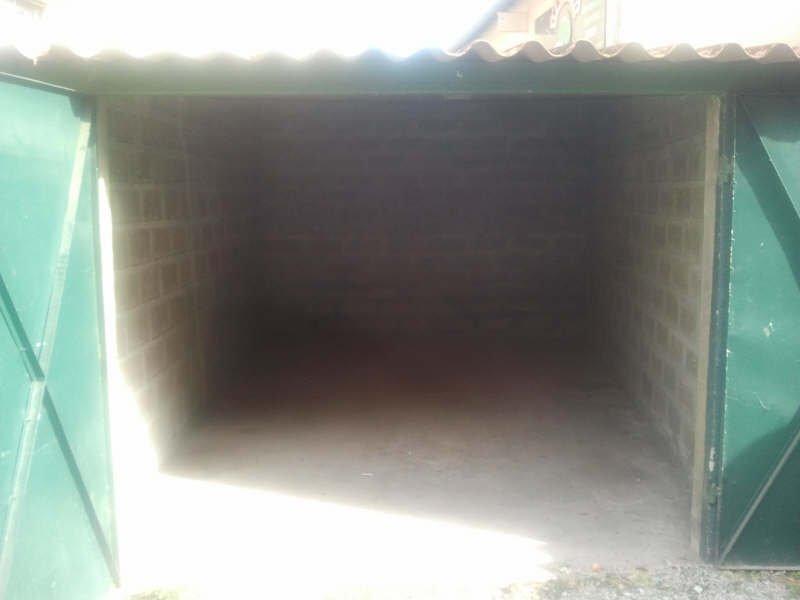 GARAGE 15 m2