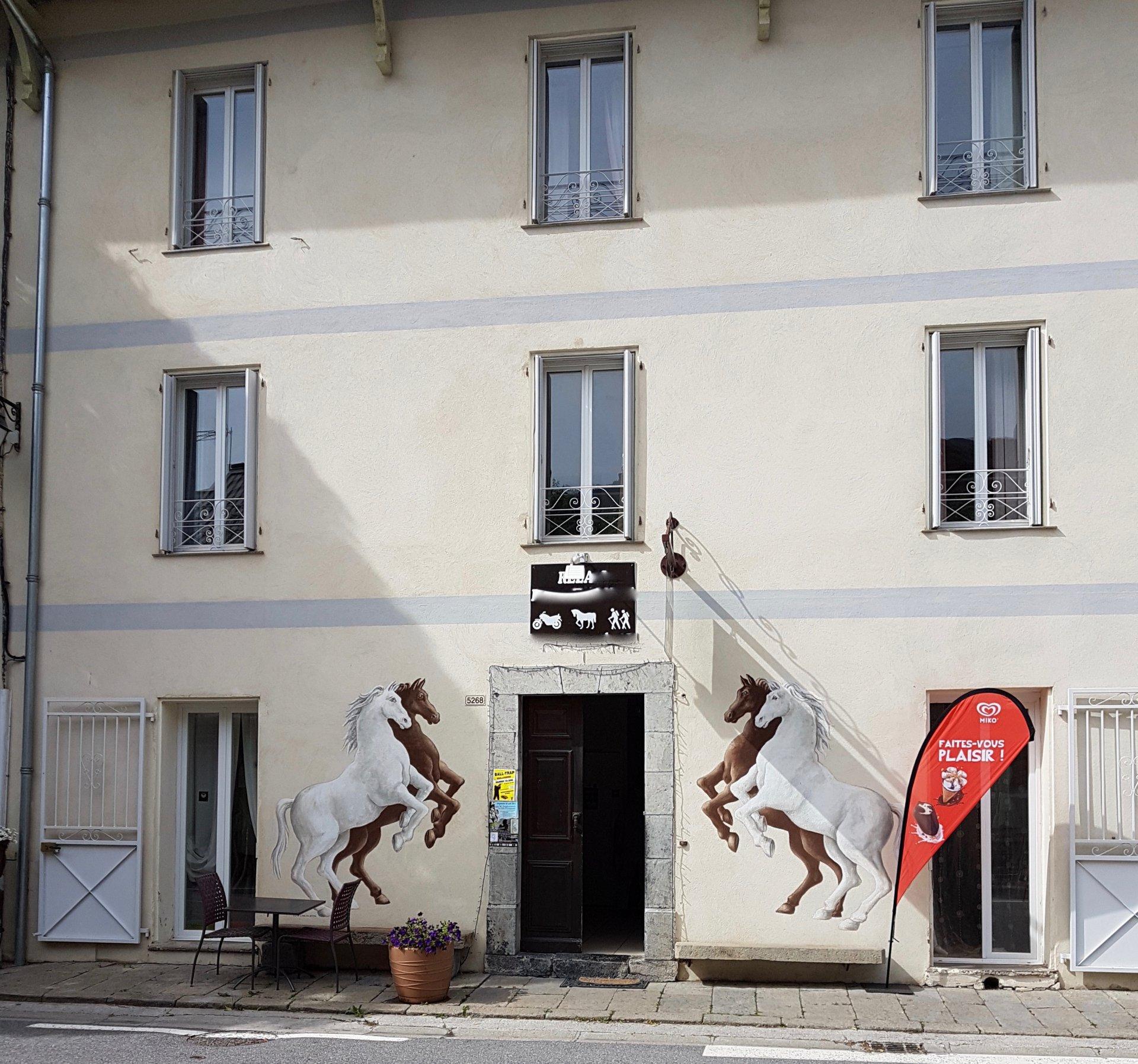 Villeneuve d'Entraunes (06) - Building for sale