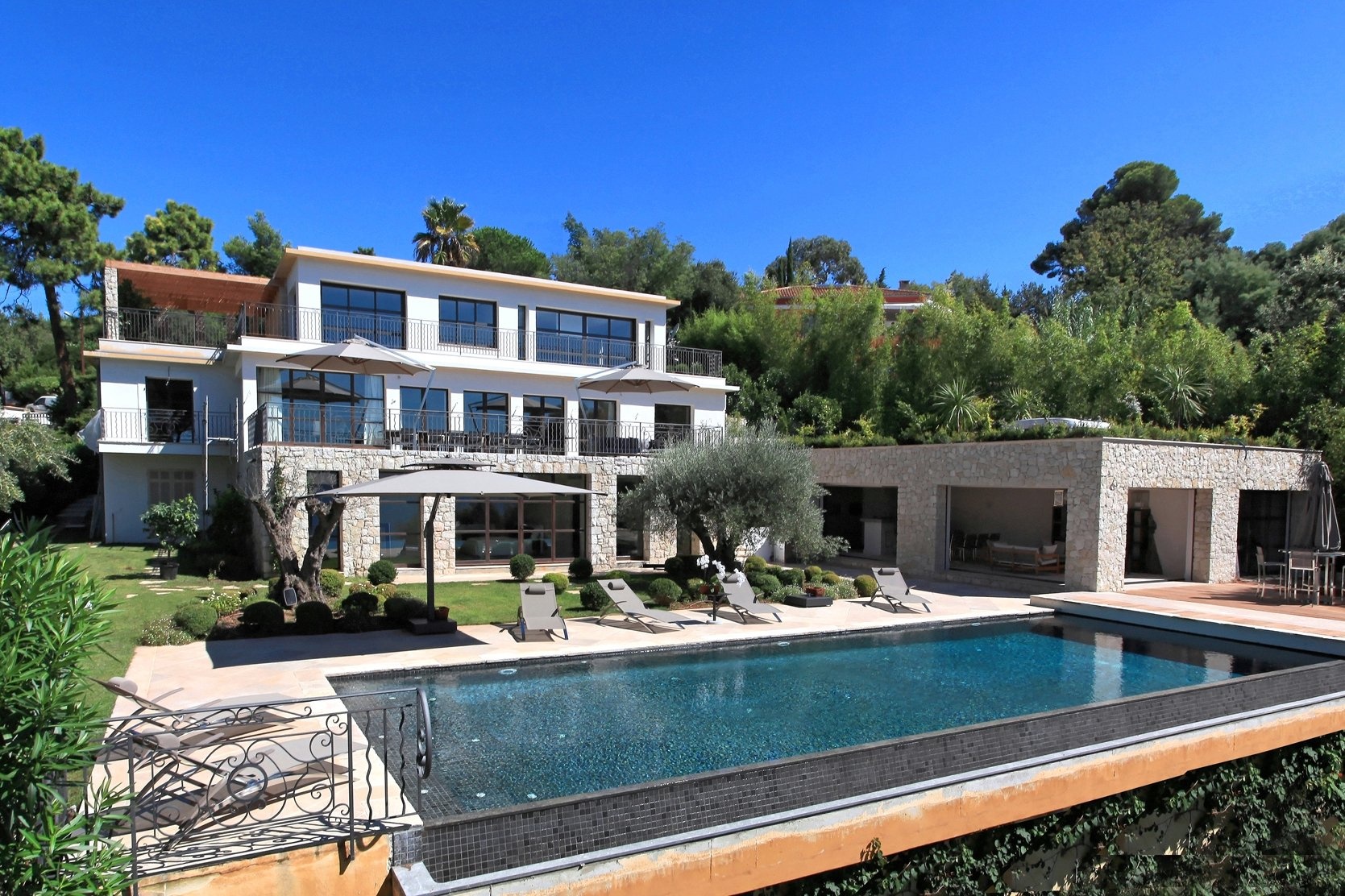 CANNES CALIFORNIE - SUPERB RECENT VILLA