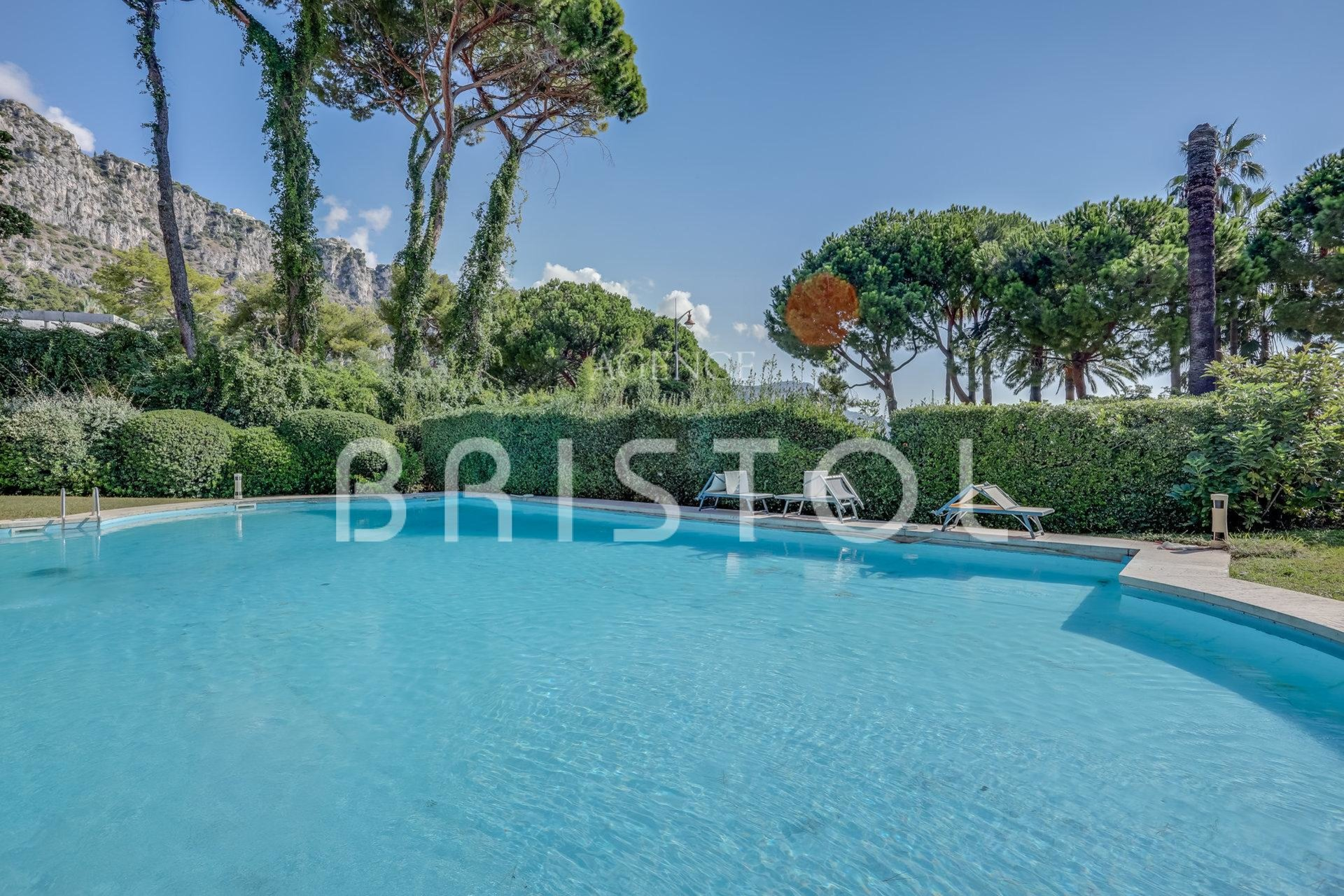 Apartment-villa in Beaulieu sur Mer close to the sea