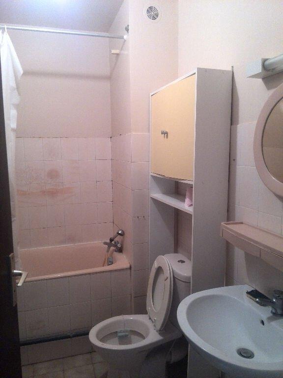 Appartement Beaucaire 1 pièce(s) 28 m2