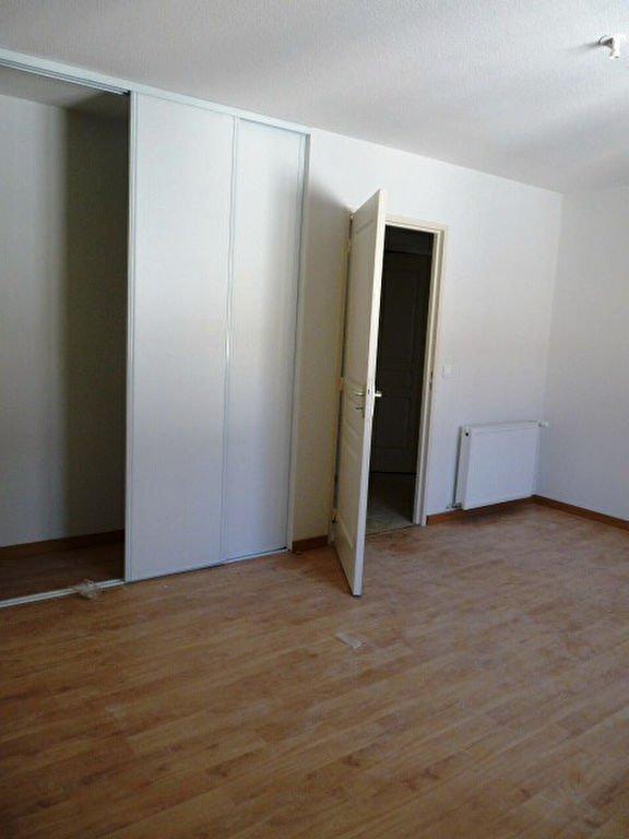 Appartement Beaucaire 2 pièce(s) 64 m2