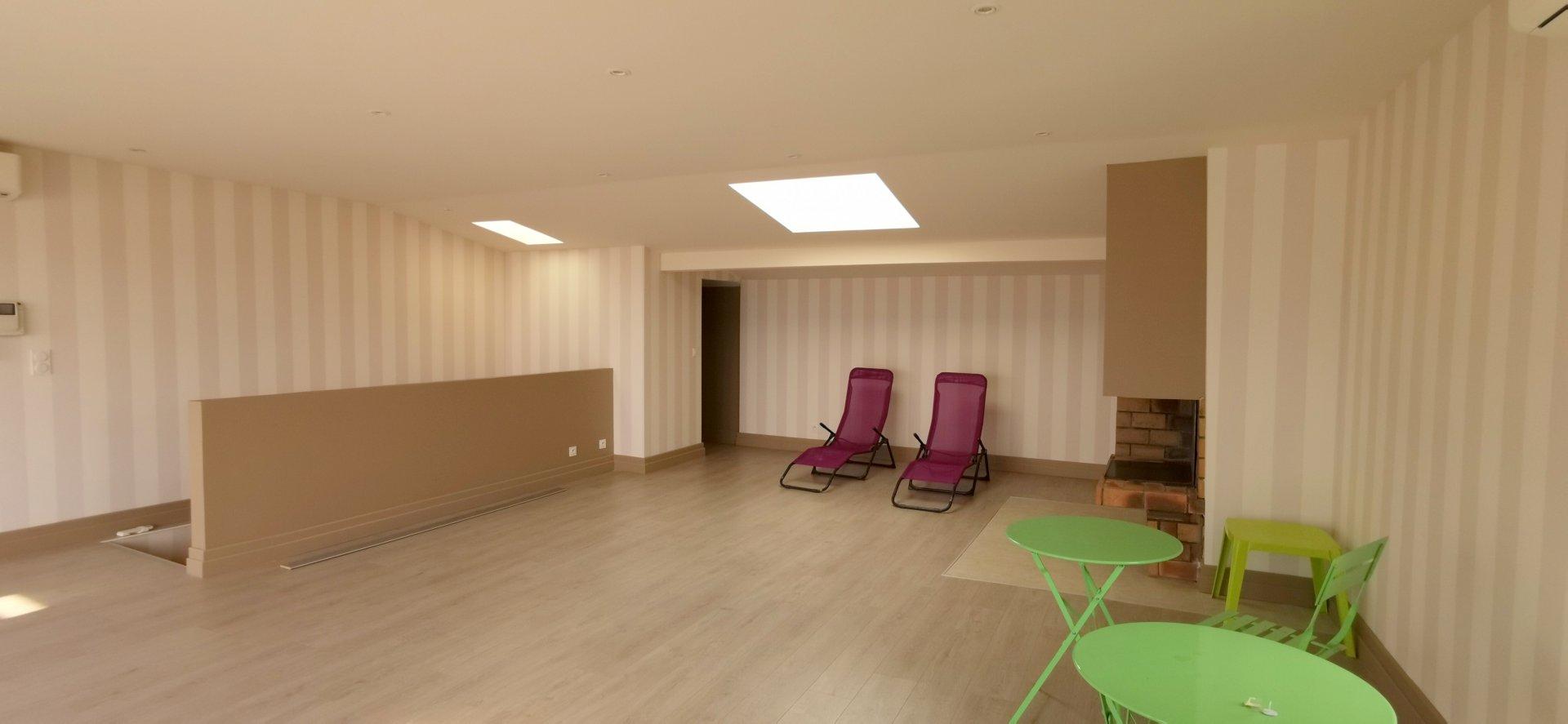 Superbe Duplex terrasse avec studio de réception