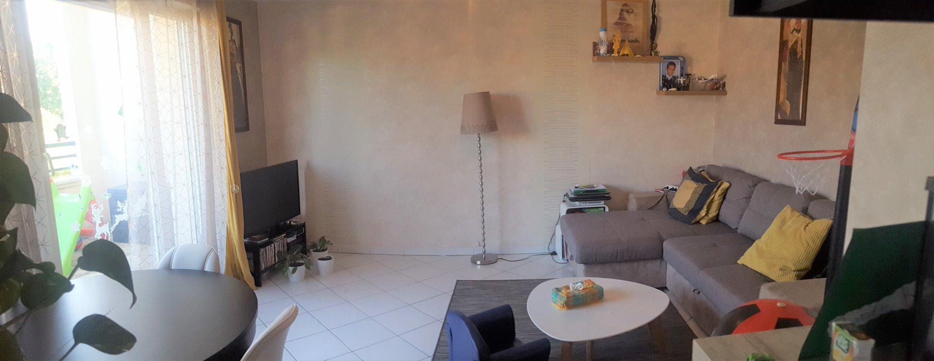 F3 58.50 m² avec terrasse et box