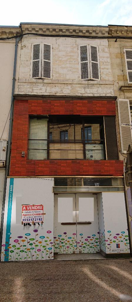 Immeuble à usage mixte, hyper centre
