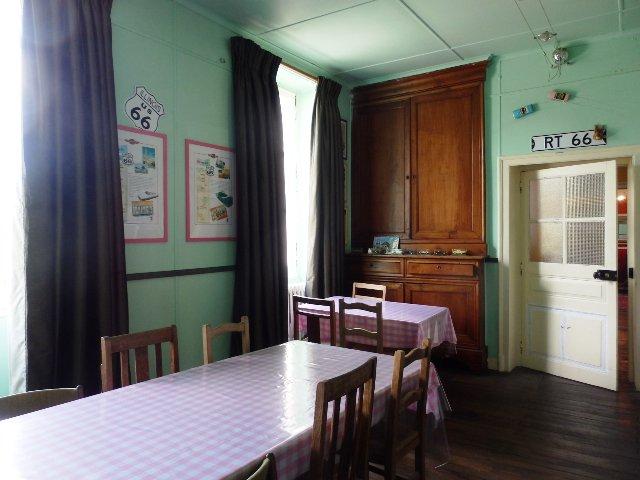 Hôtel/Restaurant et maison séparée à Bussière Poitevine