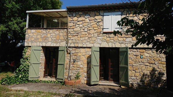 STONE HOUSE SETS ON 1116 M²