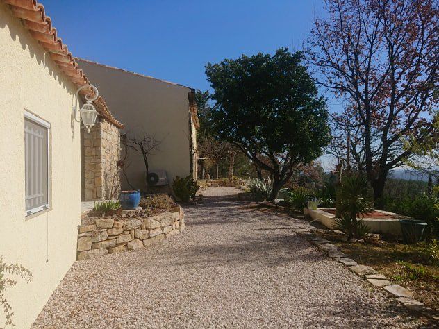Cotignac Bastide de charme rénovée, vue dégagée sur les vignes et les campagnes