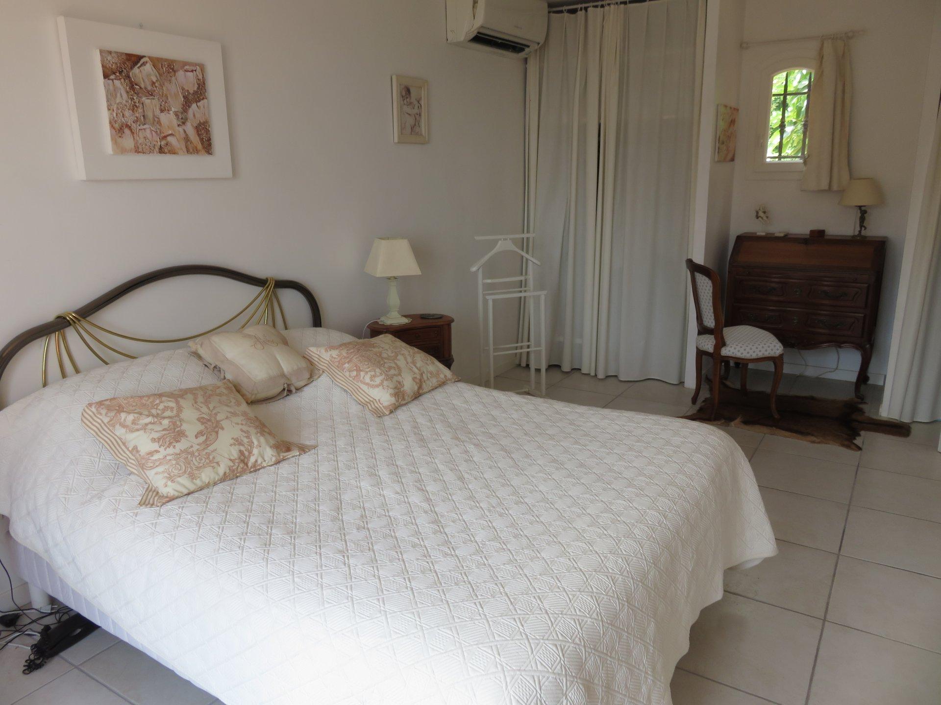 6-room villa near the beach