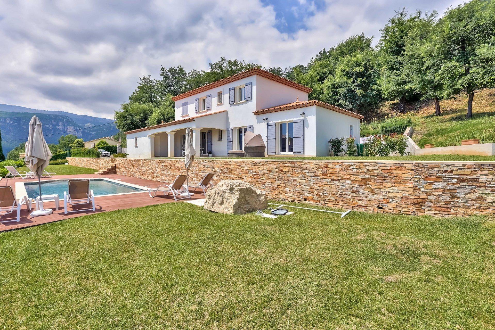 A vendre magnifique villa récente - vue panoramique