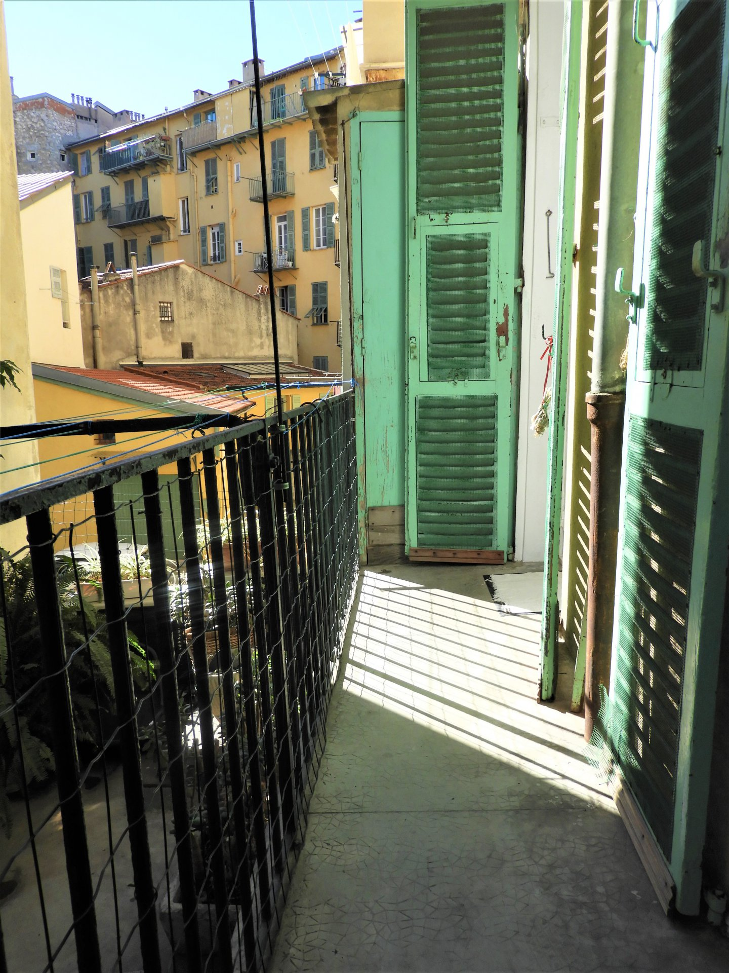 PORT DE NICE - grand 2 pieces 54m2 - balcon au  calme