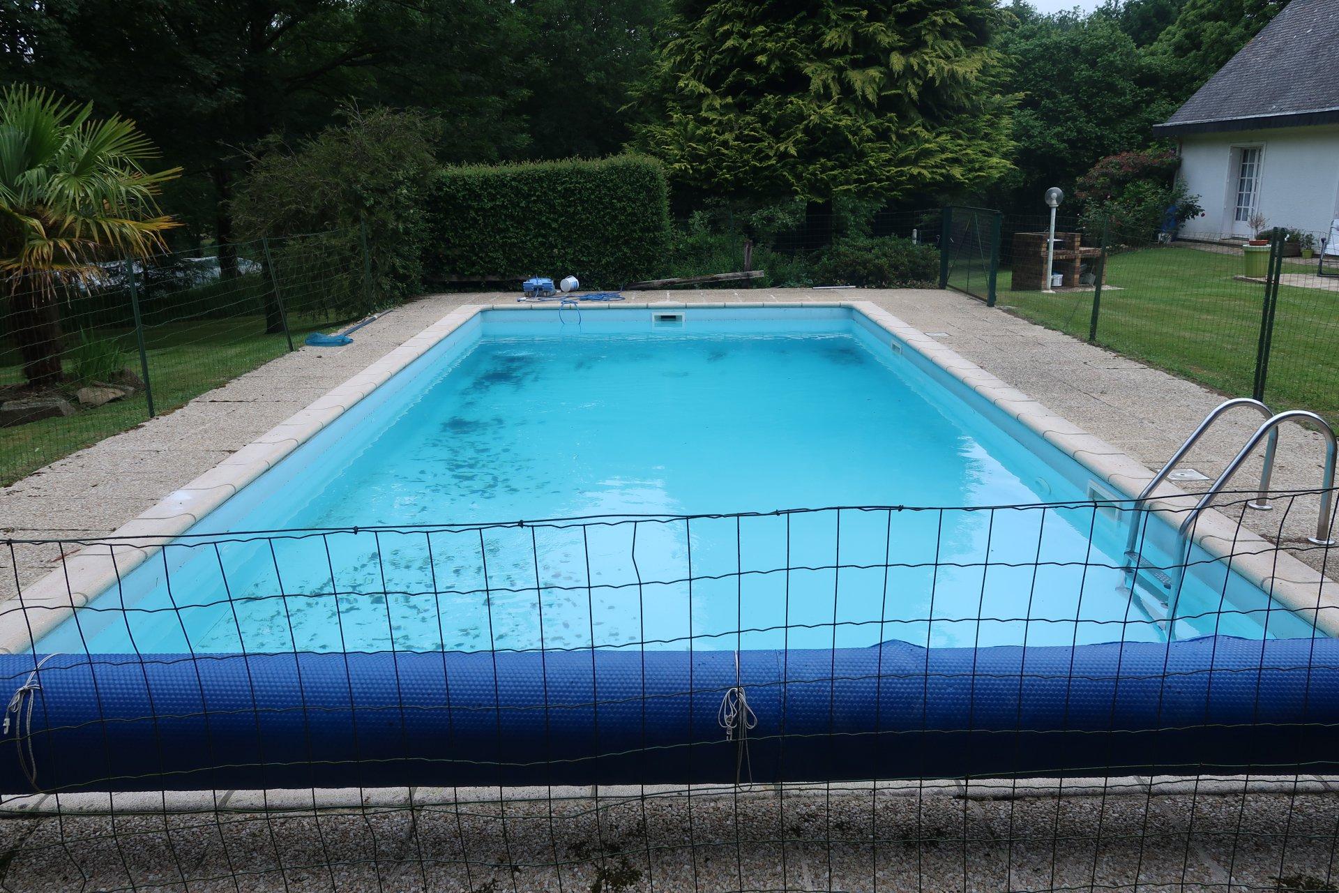 Maison de caractère avec piscine.
