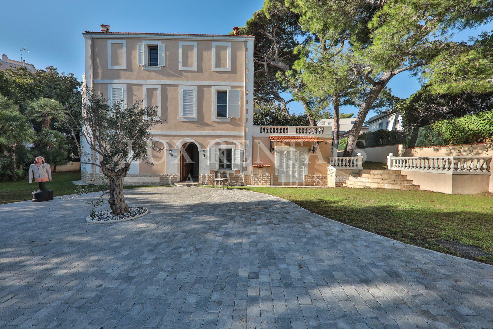 Seasonal rental Villa - Cap d'Antibes