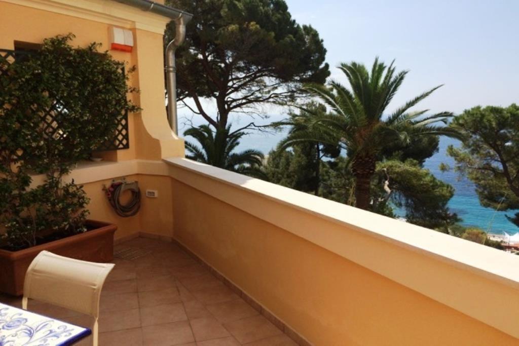 Roquebrune Cap Martin - Appartement duplex 3 pièces