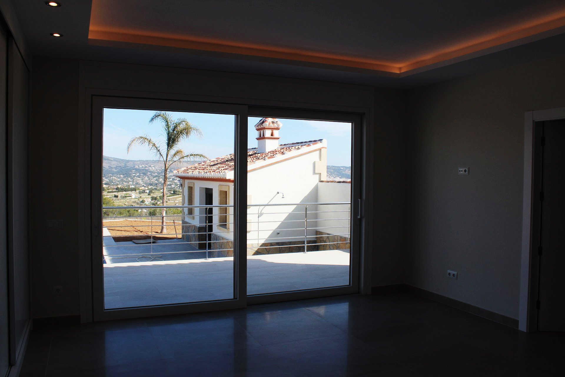 Fabulous new build villa on 1 floor close to Javea Golf Club