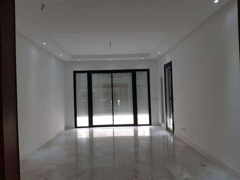 A vendre un S+3 de 218 m² à la marsa