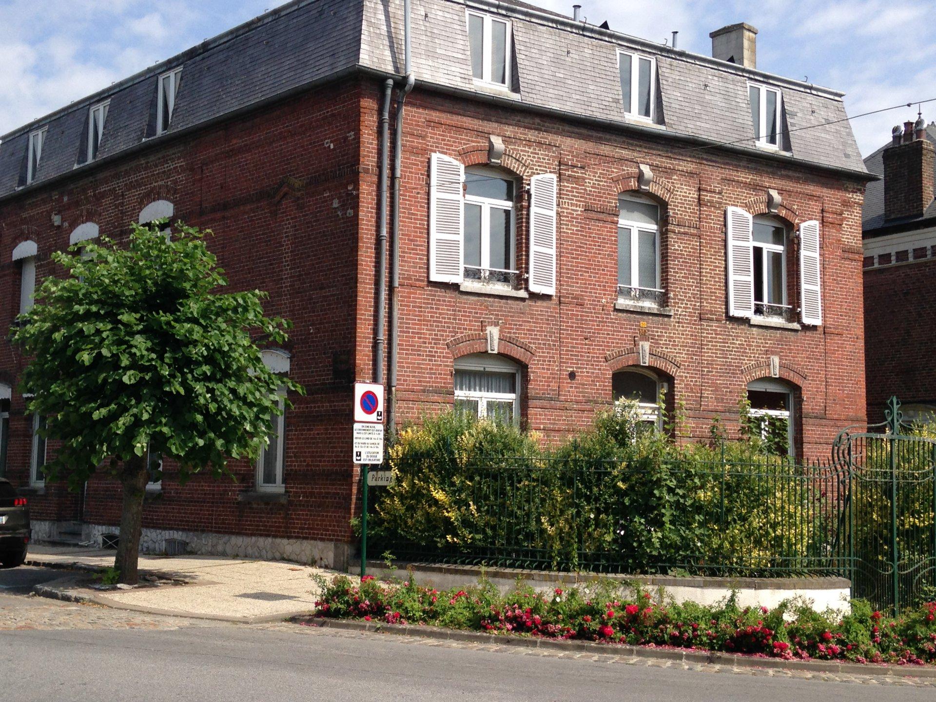 Maison de maître-AVESNES-SUR-HELPE