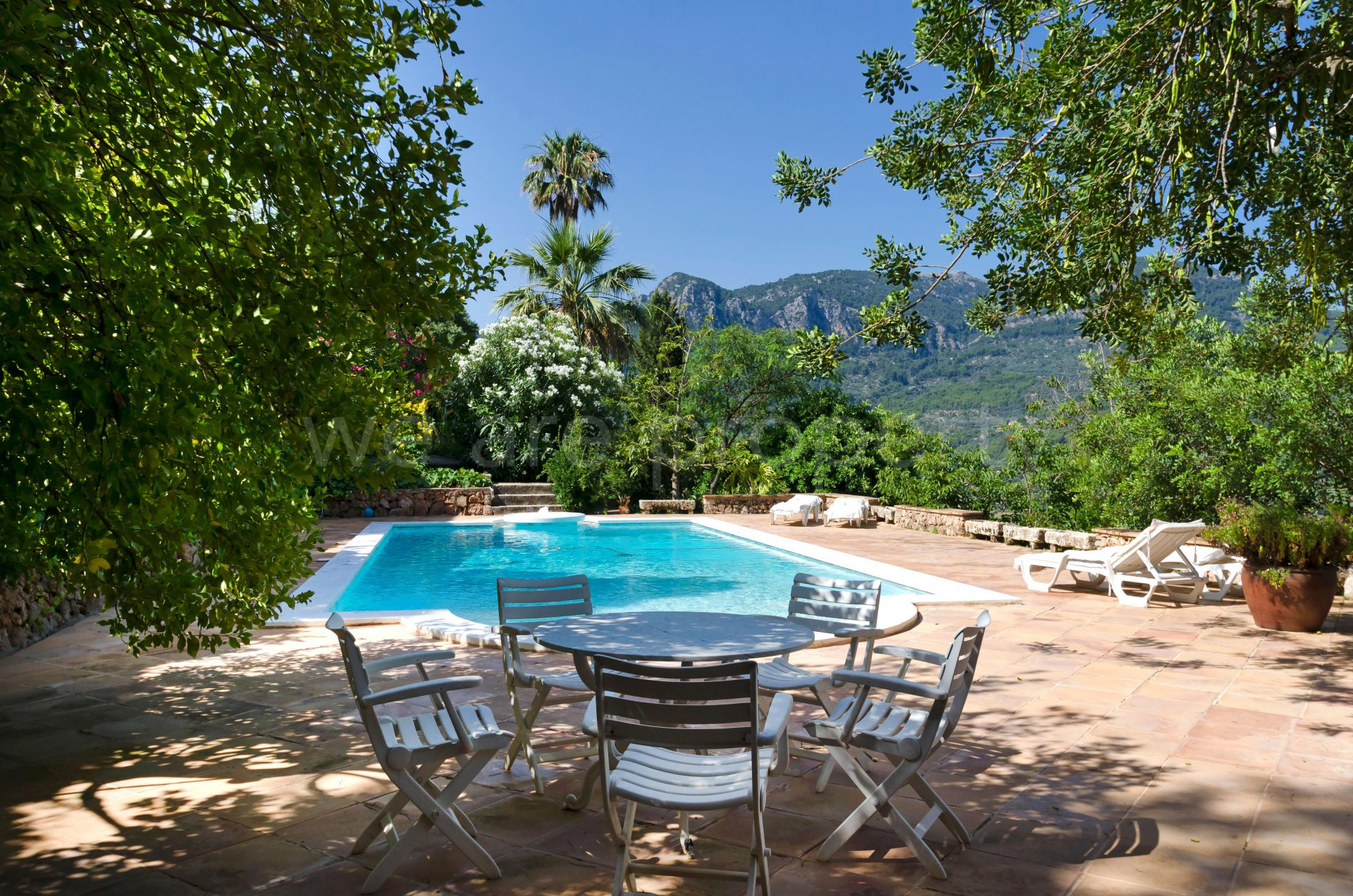 Outstanding finca with loads of character and panoramic views