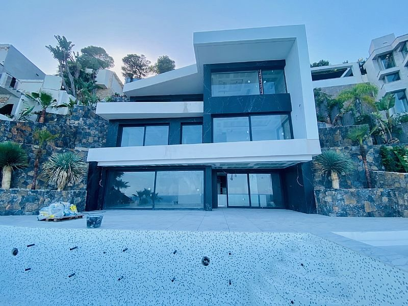 Villa neuve de première ligne à Javea