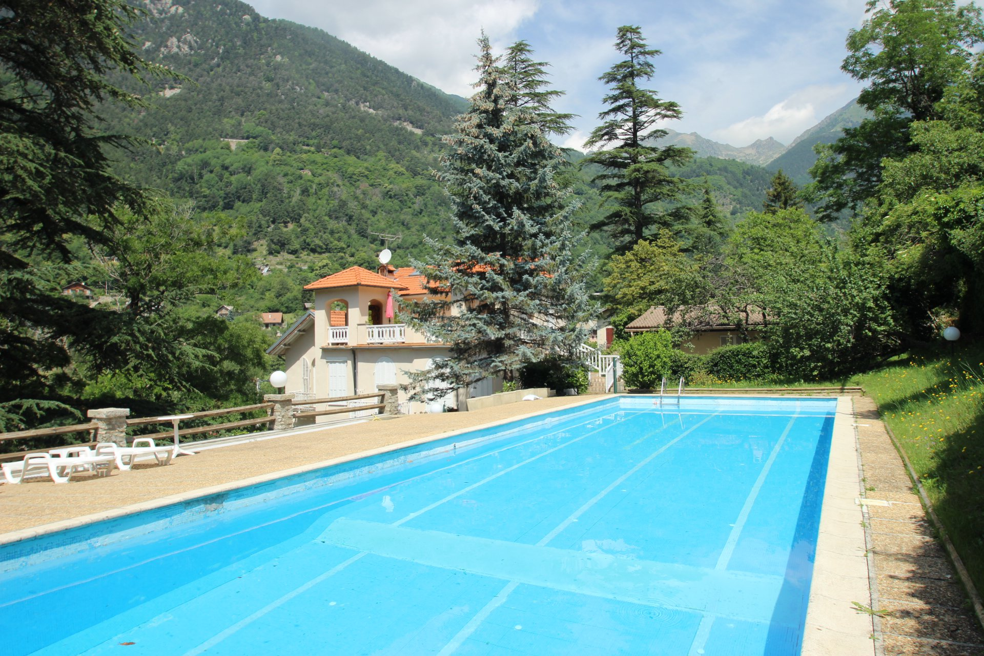 ST MARTIN VESUBIE 2P TERRACE / SWIMMING POOL