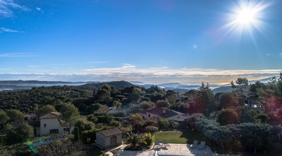Exceptional panoramic sea view, hills, countryside