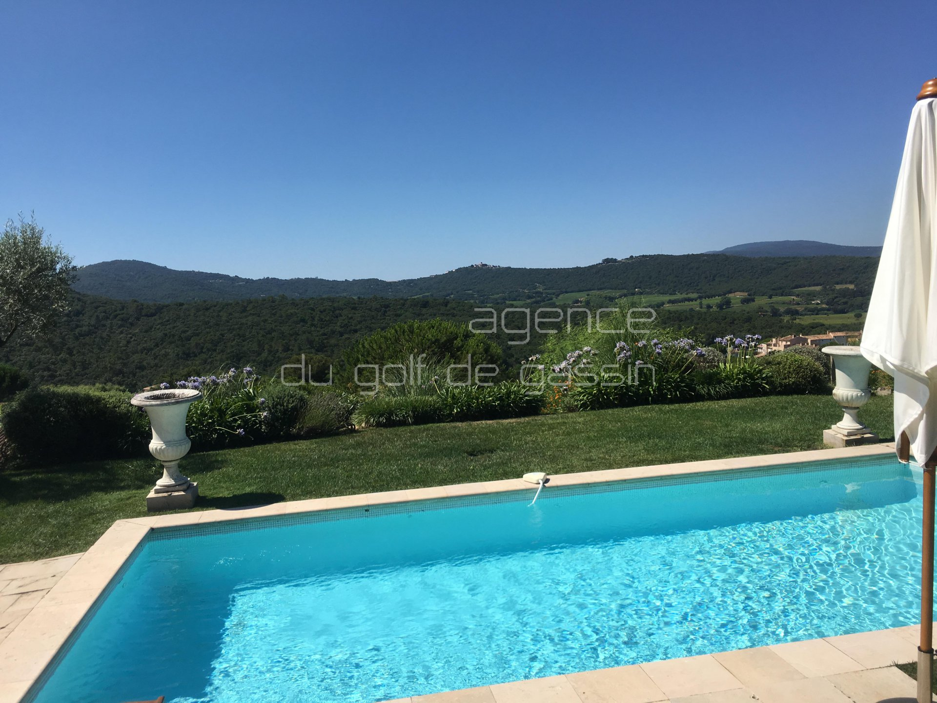 Seasonal rental Villa - Gassin