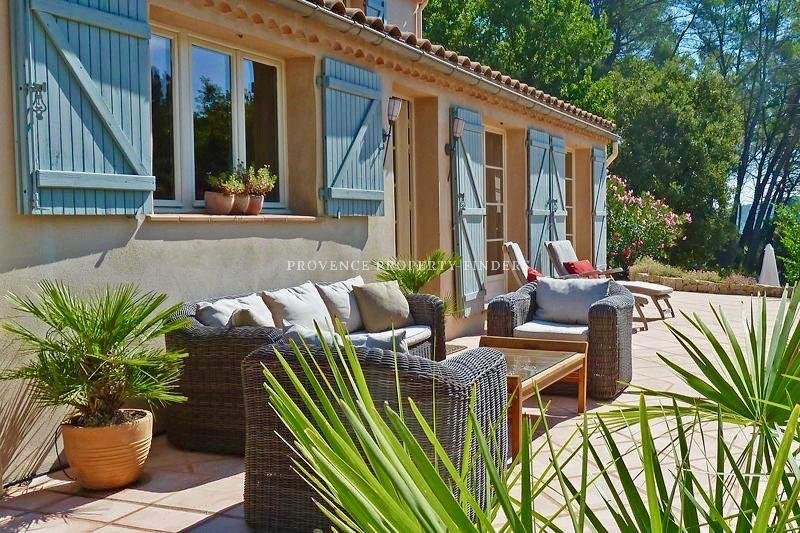 Charming villa in the heart of the Provence.