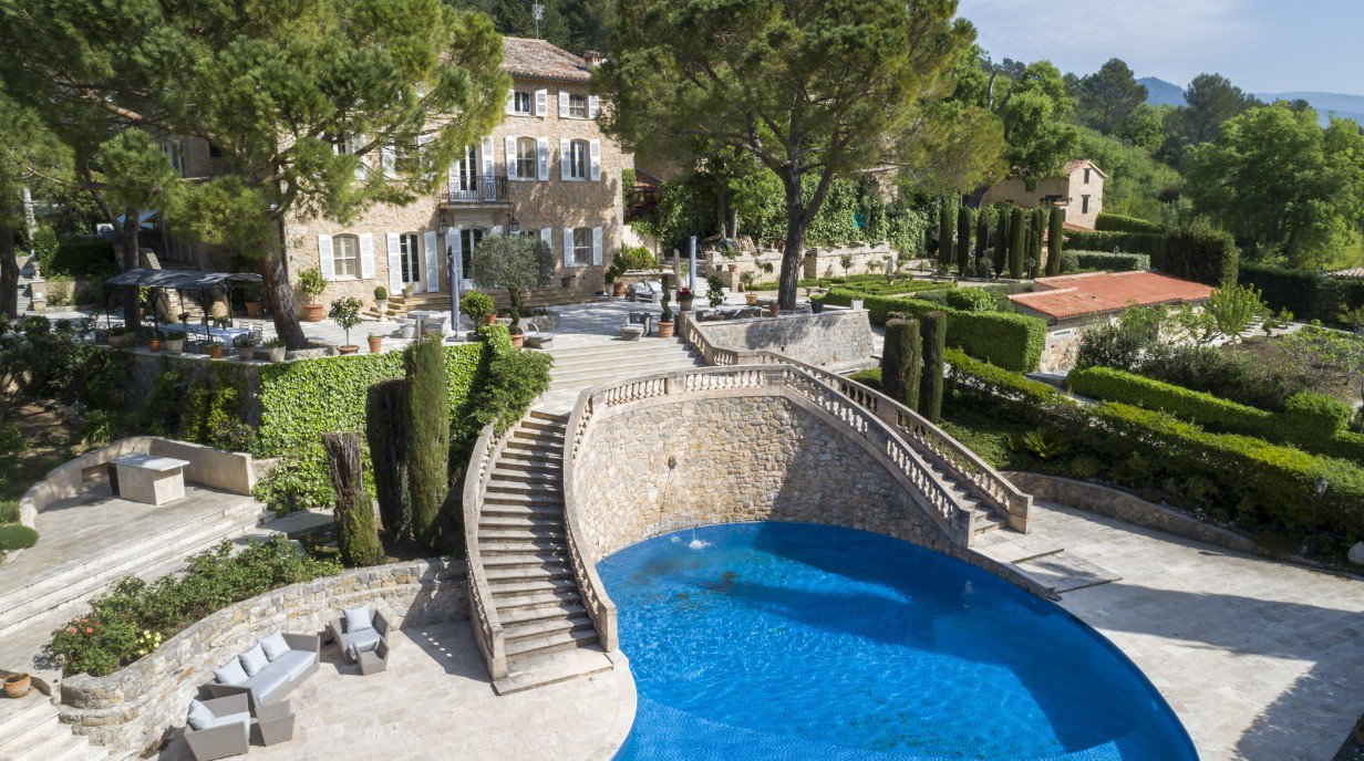 Superb Bastide in stone near Cannes