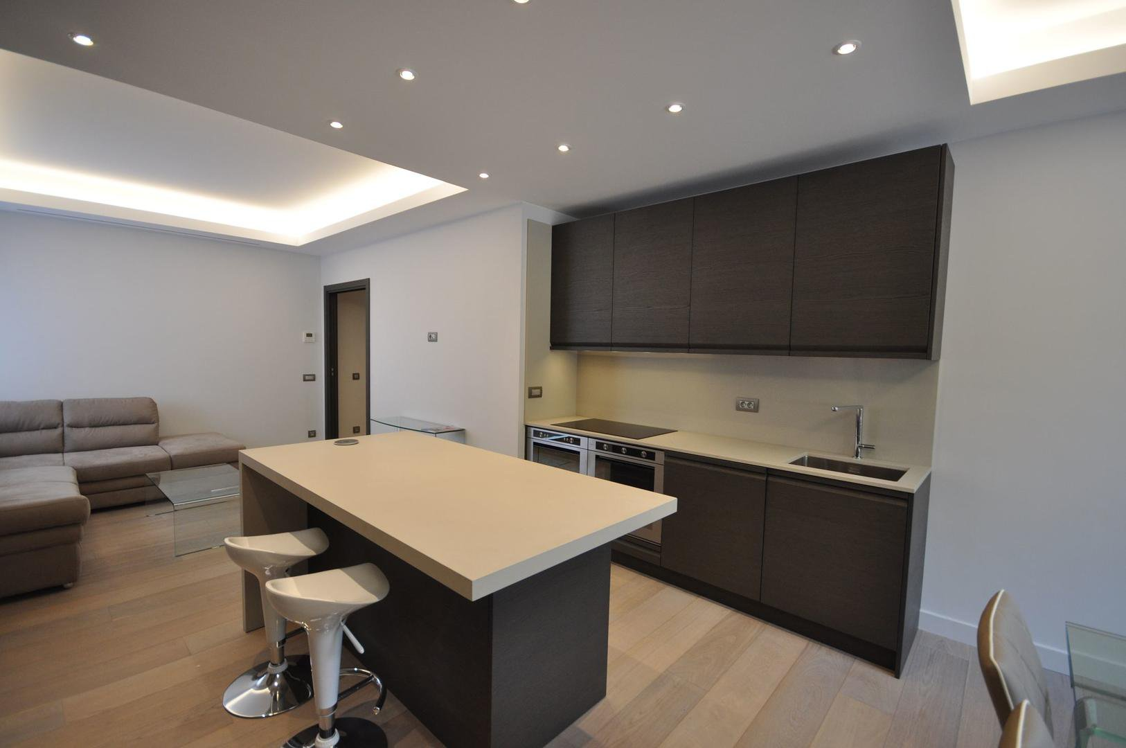 Kitchen bar, kitchen island