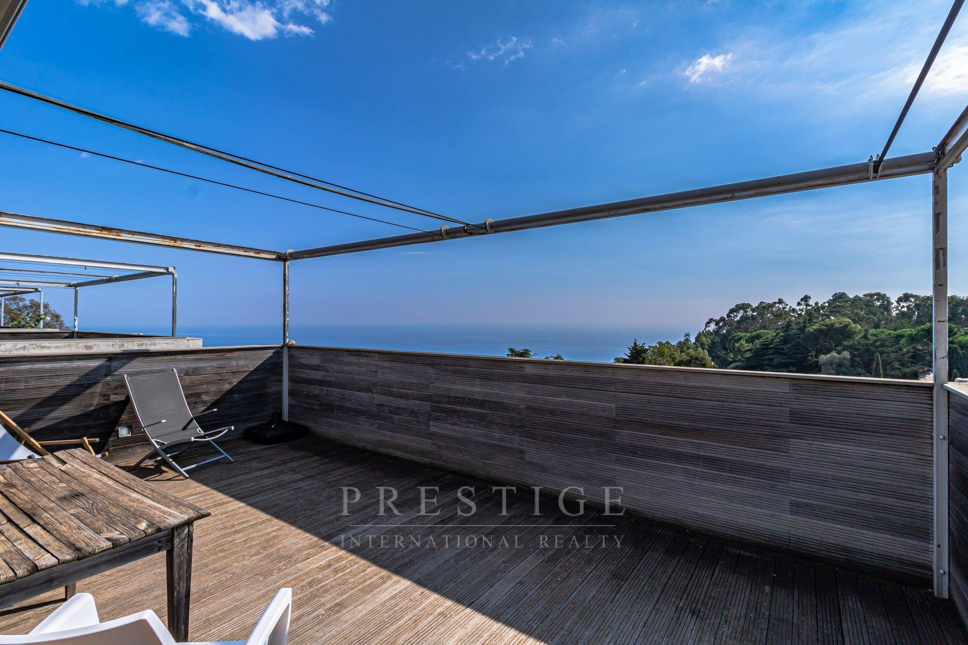 Eze, 1 bedroom flat sea view with roof terrace