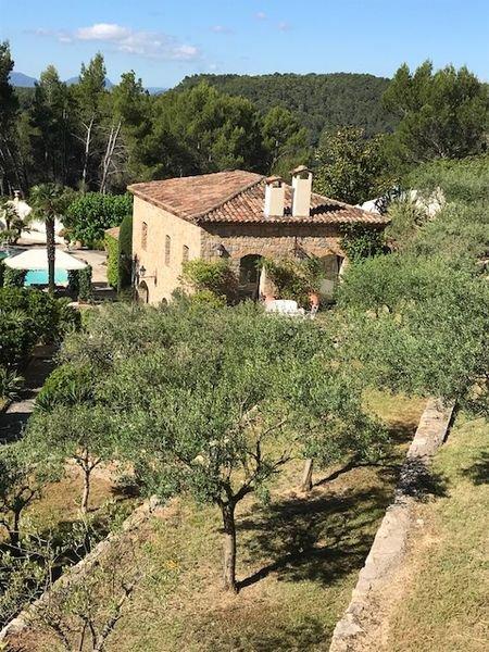 Propriété de charme - vue - 3 maisons - piscine - garage