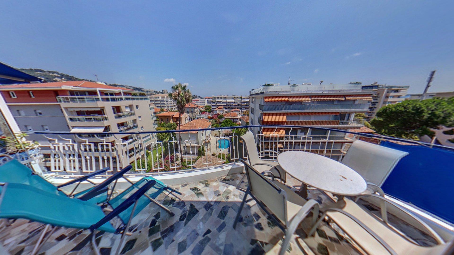 Cannes Palm Beach Port Canto lägenhet till salu översta våningen terrass