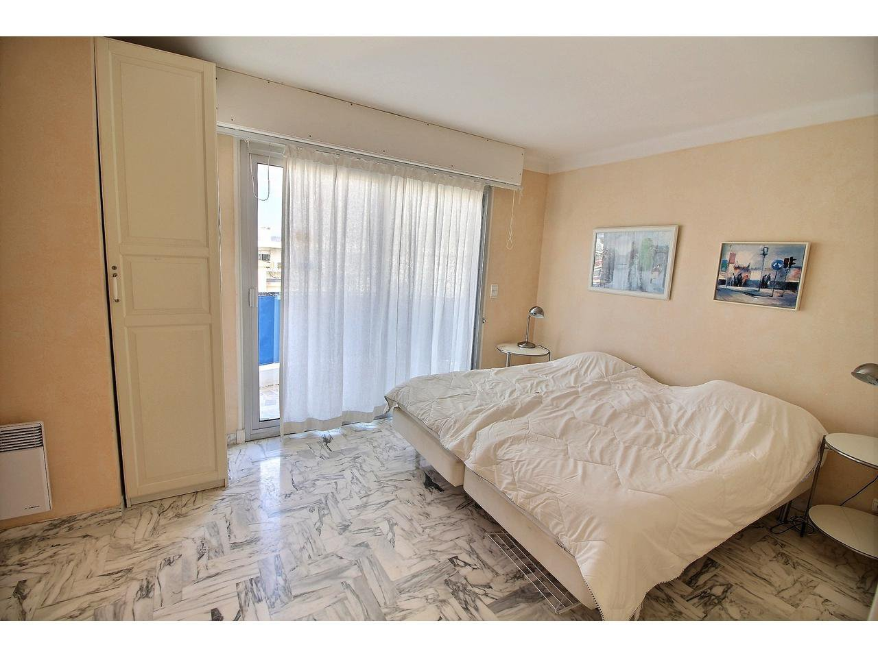 Cannes Palm Beach Port Canto last floor apartment for sale terrace bedroom