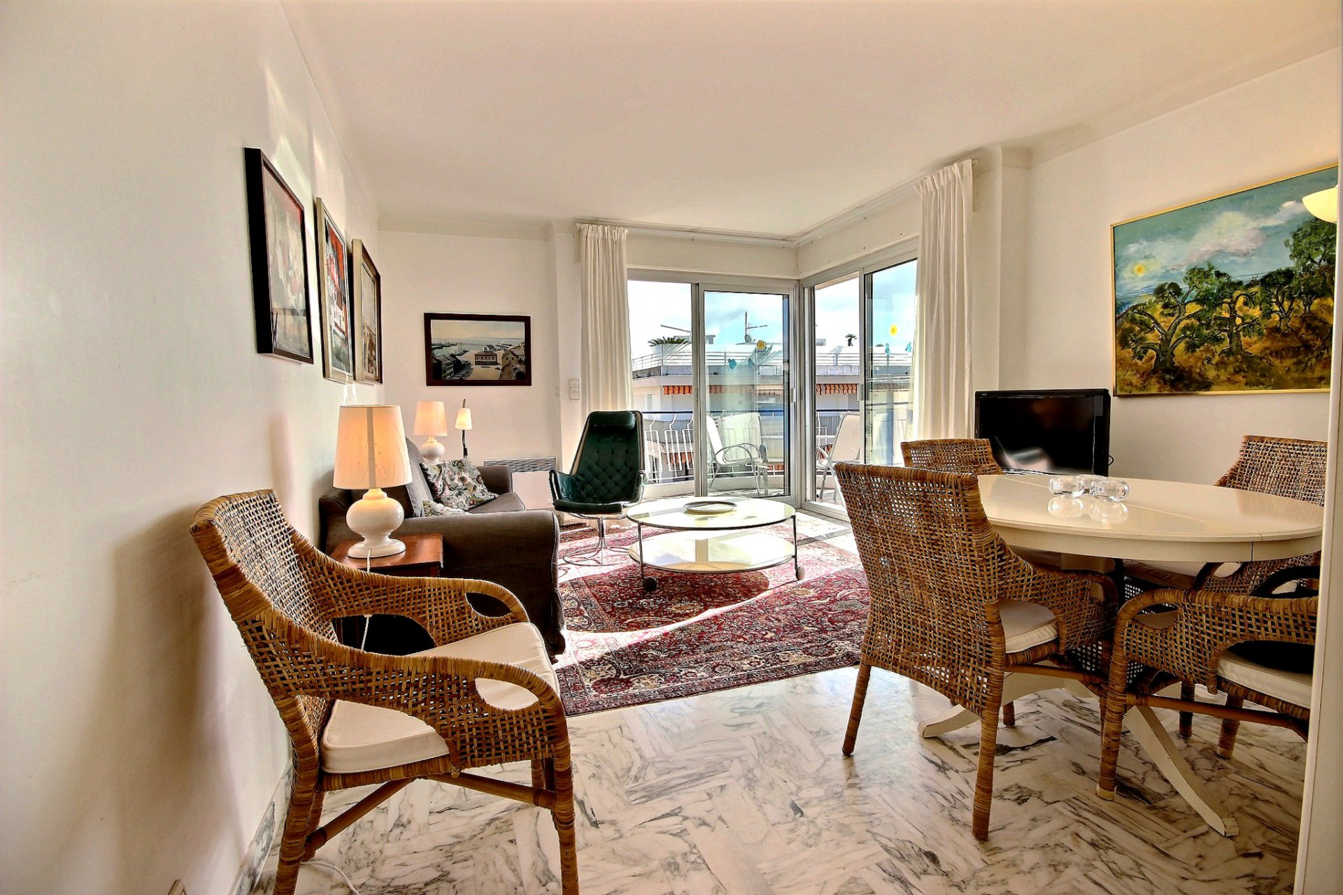 Cannes Palm Beach Port Canto last floor apartment for sale terrace living room