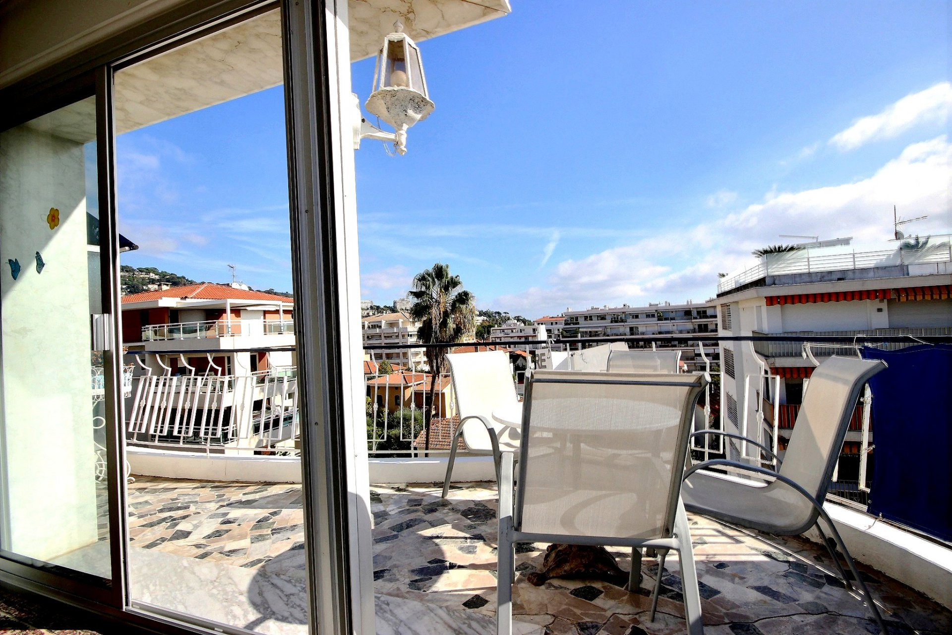 Sole agent property in Palm Beach last floor
