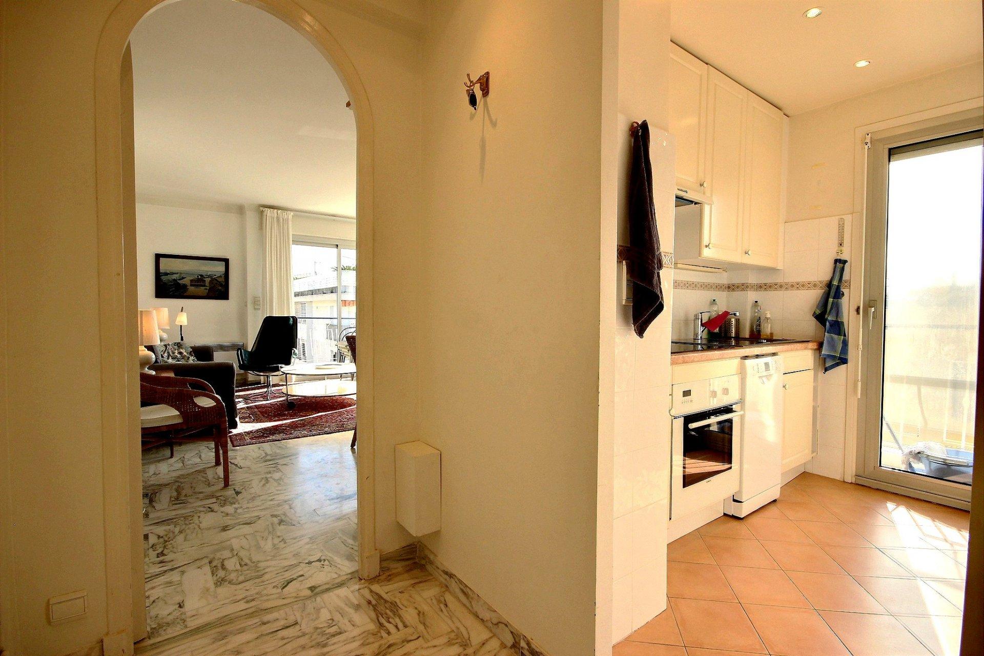 Cannes  Palm Beach Appartement  2 Pièces 49 m² avec deux terrasses