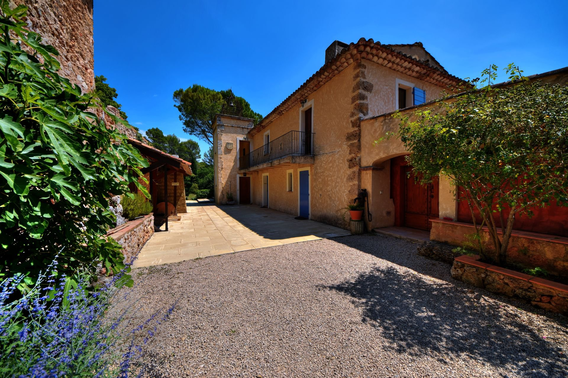 Stone Bastide 18th on 5 h 9, Salernes, Var, Provence