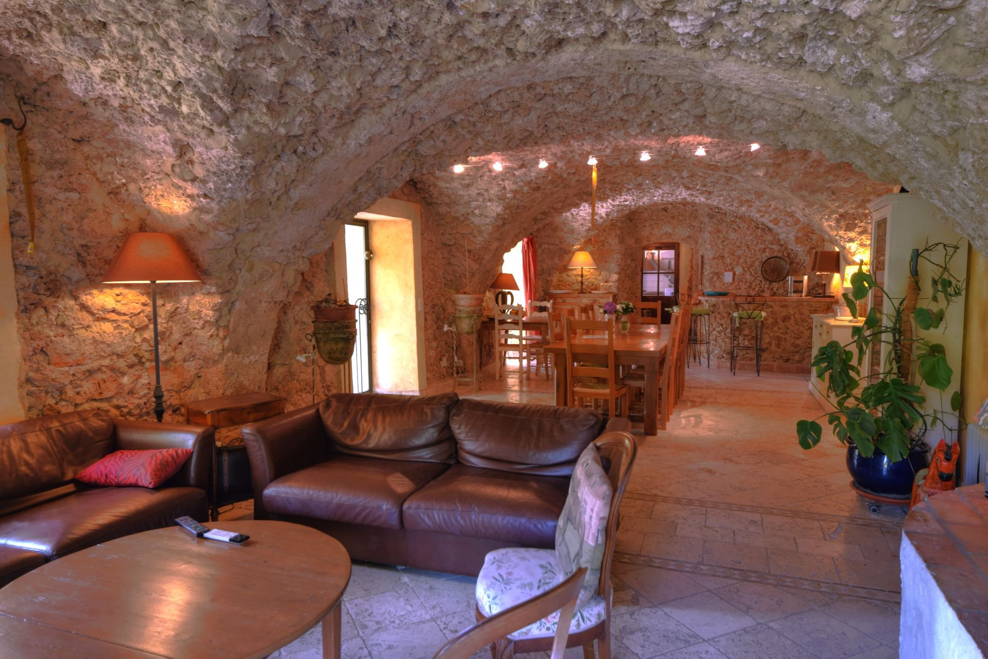 Bastide en Pierre du 18 ème sur 5 h 9, Salernes, Var, Provence